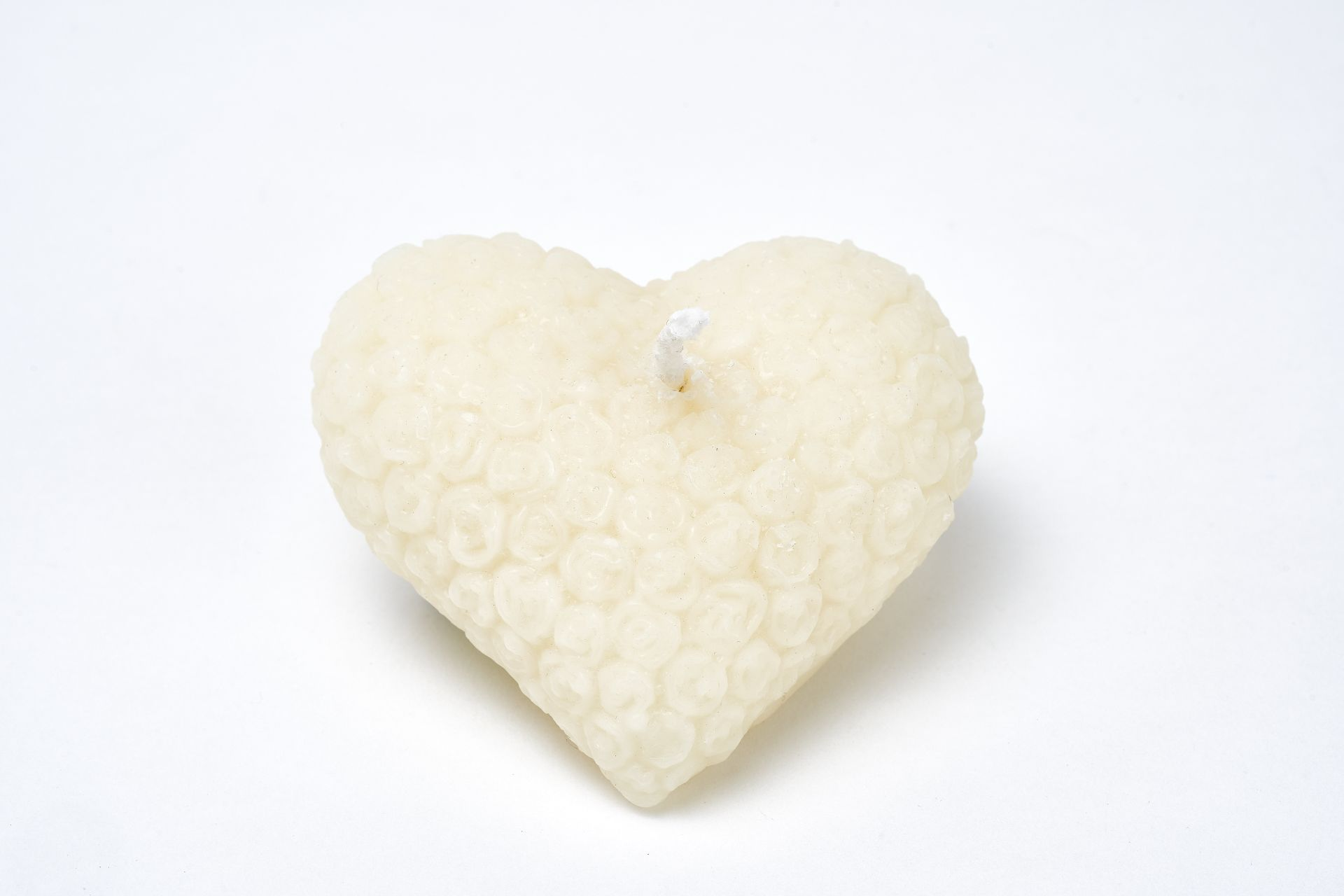 Kerze Motiv Herz (ca. 8cm x 7cm) aus 100% Bienenwachs vom Imker in weiß