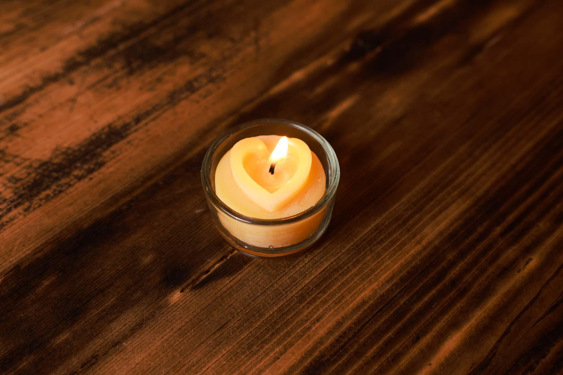 Teelichtset Herzkontur 5 Stk inkl. 5 Glasbehälter