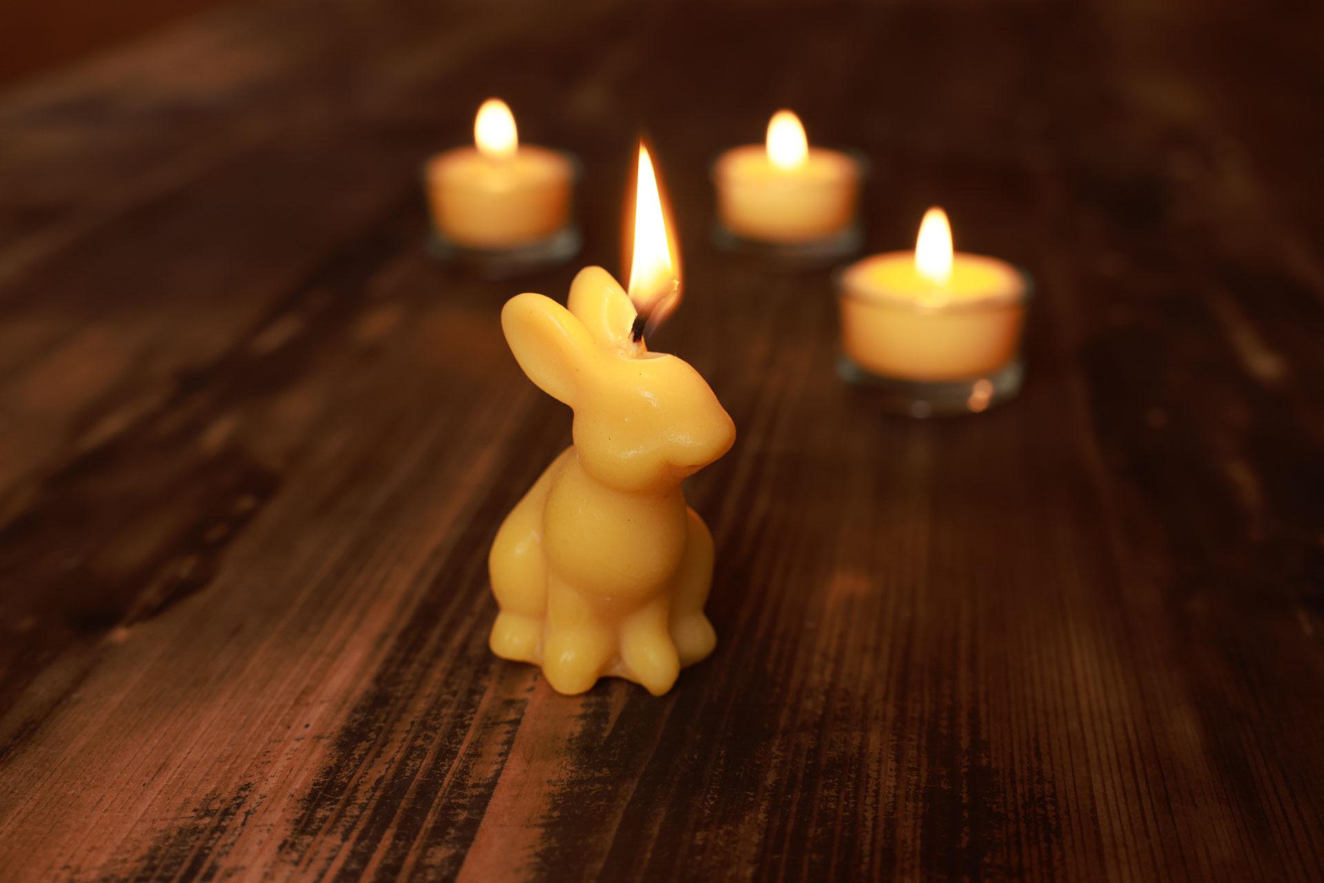 3x Kerze Hase Frodo (Höhe ca. 6,5cm) aus 100% Bienenwachs vom Imker