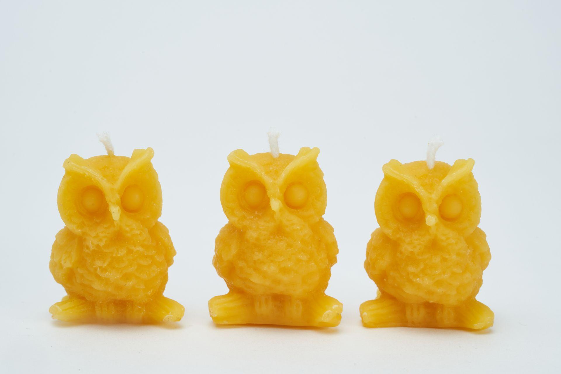 3x Kerze Motiv Eule auf dem Ast (Höhe ca. 4cm) aus 100% Bienenwachs vom Imker