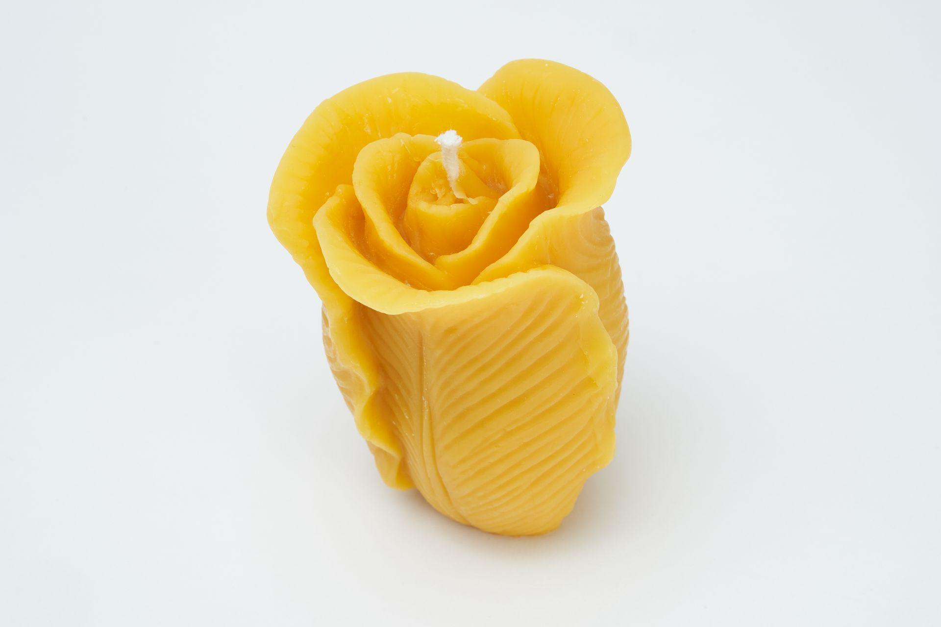 Kerze Motiv Rose (Höhe ca. 11cm) aus 100% Bienenwachs vom Imker